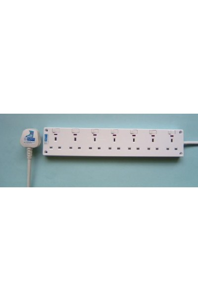 NCE 7-WAY POWER SOCKET WITH NEON (NCE7706N)